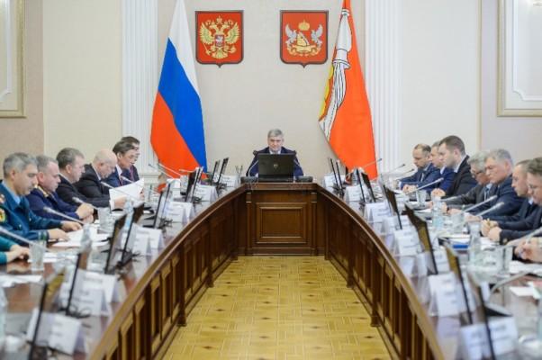 Воронежский губернатор поручил контролировать своевременность ямочного ремонта дорог