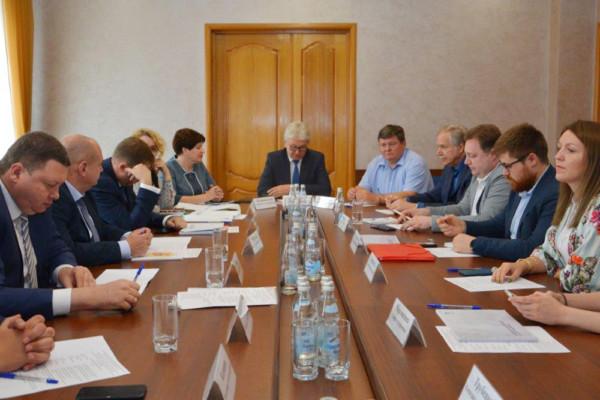 Транспортные проблемы Воронежа поможет решить рельсовый транспорт