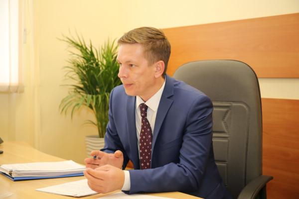 Руководитель управления дорожного хозяйства Олег Котов провёл приём граждан